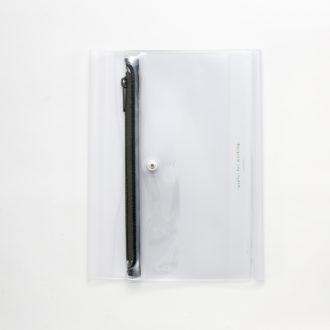 isshoni. ペンケース付ノートカバーPVC B6対応 クリアGR  N1870